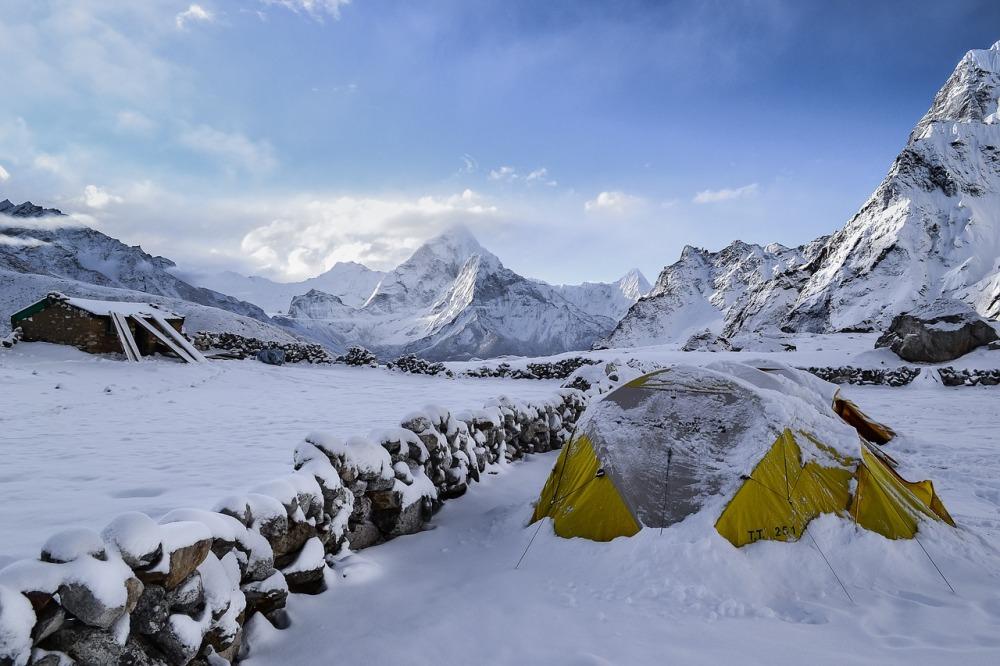snow tent 1